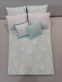 D-193 Seaglass & White Damask