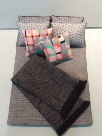 D-182/Throw - Grey Linen, Pink accent