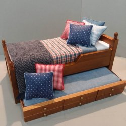 Trundle Bed/Denim & Red Bedding