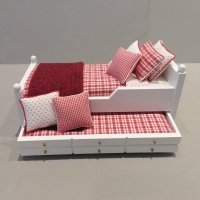 Trundle Bed/Red & White Check