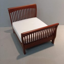 Slat Queen Bed - Walnut