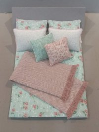 D-105B Mint Green/Dusty Rose Floral