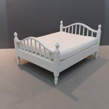 Double Spindle Bed White finish