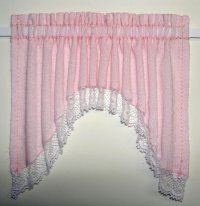 Shaped Valance with Lace Trim